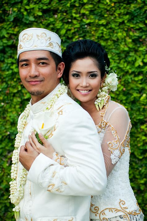 wedding indonesia traditional wedding in bali junebug weddings