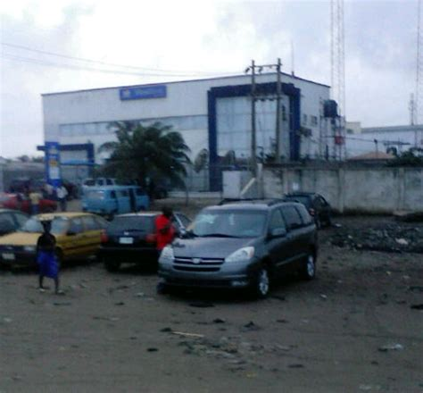 purchase cheap,accident free cars 4rm cotonou,shipping
