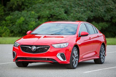 2019 Buick Lineup by What S And What S Not In The 2019 Buick Lineup