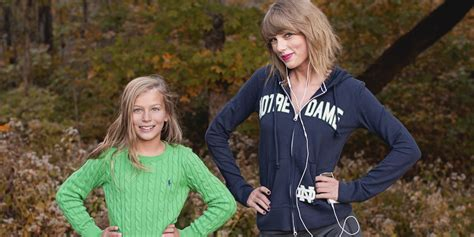 taylor swift fan verified taylor swift crashes young fan s photo shoot while jogging
