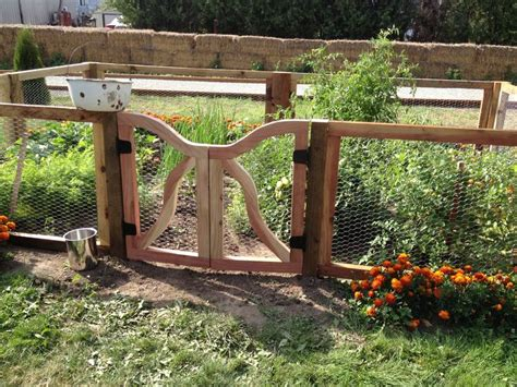Garden Fence And Gate Ideas Outdoor Garden Gates And Fences Ideas Black Steel Garden