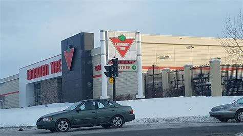 canadian tire hours canadian tire opening hours 9050 boul de l acadie
