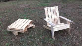 Arondyke Chairs by Make Adirondack Chair Pallet Diy Network Woodguides
