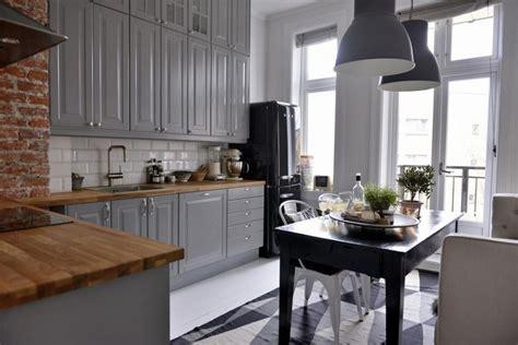 Zebrano Kitchen Cabinets szare meble kuchenne z drewnianym blatem czarny zdj cie