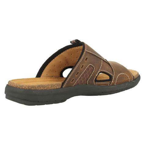 leather mule sandals mens clarks classic leather mule style sandals unbryman