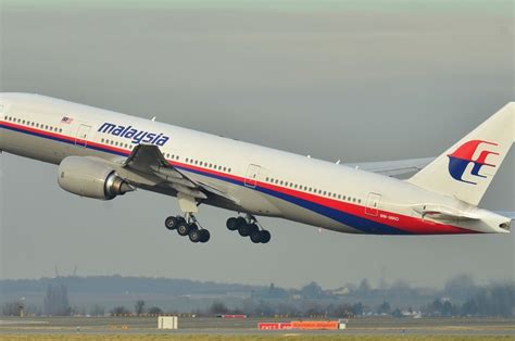 Malaysian Search Malaysia Airlines Flight 370 Families To Visit Australia In Quest To Keep Search Going