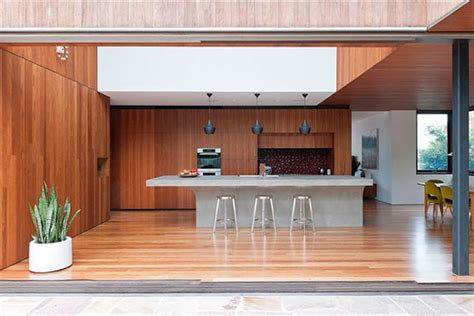 modern timber kitchen designs paredes revestidas de madeira