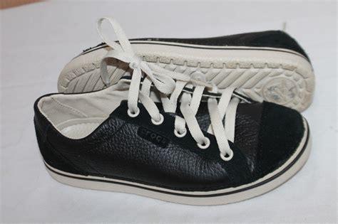 crocs athletic shoes crocs size 4 black oxford athletic shoes boys shoes