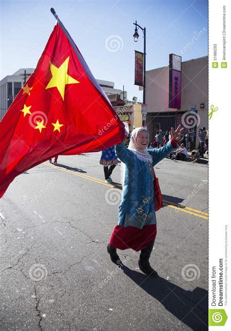new year parade los angeles 2014 displays flag at new year parade