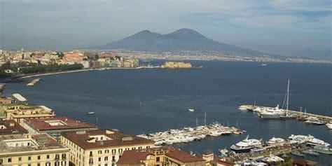 vibrant bawdy naples journeys in time rome sorrento amalfi coast tour great rail journeys