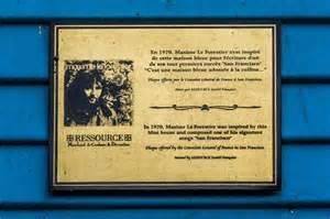 la a 233 t 233 repeinte en bleue une plaque en fran 231 ais