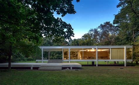 the house the farnsworth house lified the picophiles