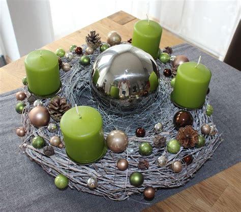 adventskranz edelstahl dekorieren adventskranz aus wei gekalktem rebenkranz dekoriert mit