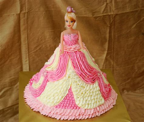 Home Decorating 101 by Cupcakes Confetti Barbie Cake No4