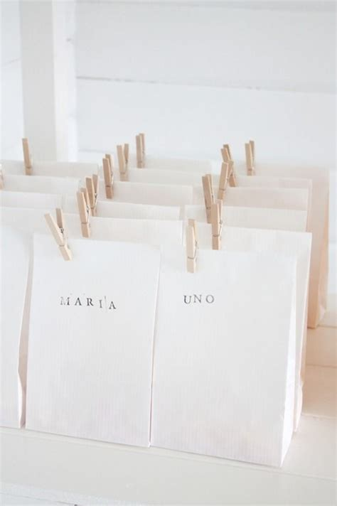 Simple Paper Bag - ribbonsandfavors inspiration photo clean and