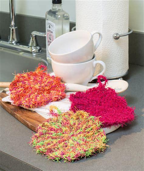 pattern red heart yarn scalloped edge scrubby free crochet pattern in red heart