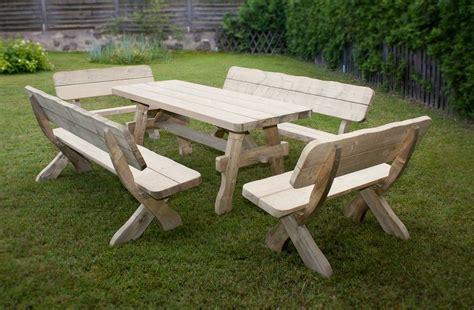meuble de jardin bois comment entretenir votre mobilier de jardin en bois embavenez fr