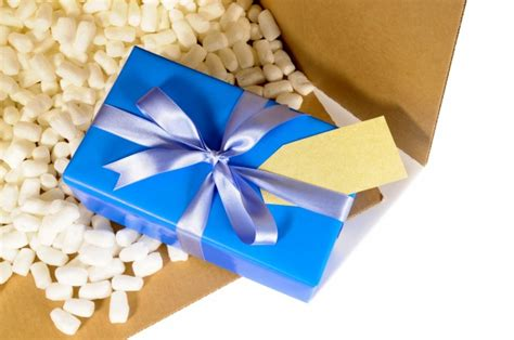 christmas gift in delivery box photo free download