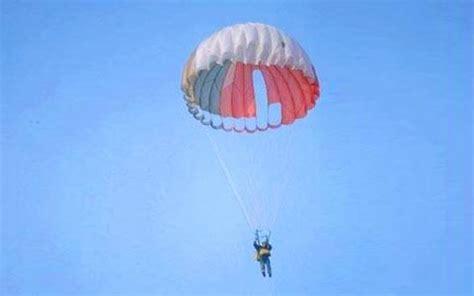 parachute 1 eleve parachutisme comment sauter seul en parachute