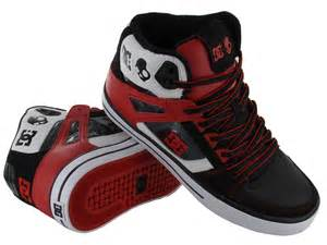 dc shoe dc shoes skateboarding fever snowboarding days