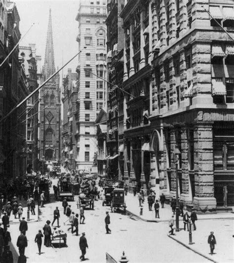 Nyc Duvet Wall Street Looking Toward Old Trinity Church New York