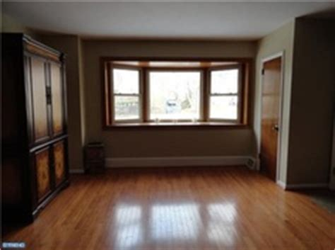 Wood Floors White Trim by 1000 Images About Oak Or White Trim That Is The Question