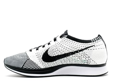 Nike Flyknite flyknit racer nike 526628 002 black white flight club