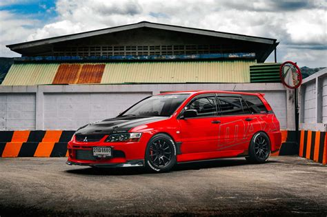 mitsubishi wagon mitsubishi lancer evolution ix wagon the compromise