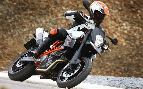 Ktm 990 Supermoto Top Speed 2012 Ktm 990 Sm T Picture 436362 Motorcycle Review