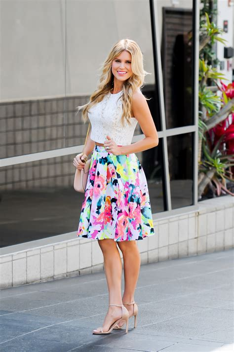 best skirt white crop top and floral skirt sapphire diaries