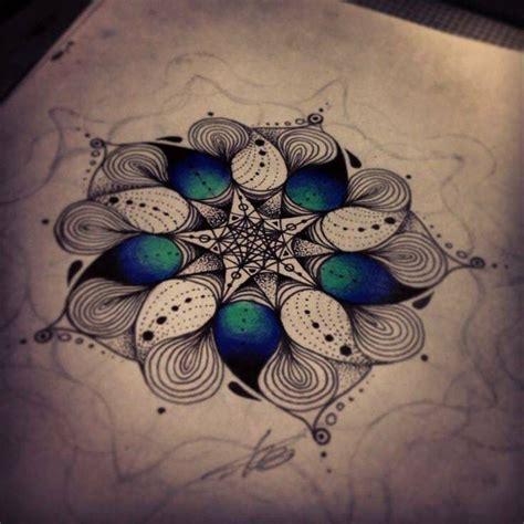 mandala tattoo hawaii 25 beste idee 235 n over hawaiiaanse tatoeages op pinterest
