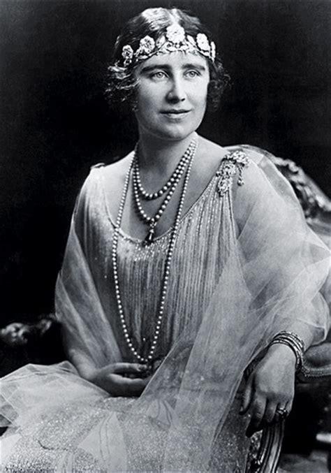 queen elizabeth the queen mother wikipedia elizabeth bowes lyon turtledove fandom powered by wikia