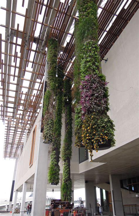 p 233 rez museum miami vertical garden blanc