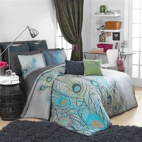 images  peacock color theme bedroom ideas  pinterest peacocks peacock quilt