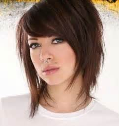 layered hairstyles for a big nose layered choppy messy bob style hair pinterest messy