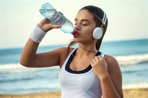 cold water vs room temperature water room temperature vs cold water which is better the fit