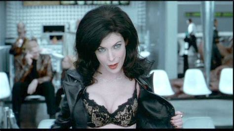 Lara Flynn Boyle Reportedly Weds by Photo Of Lara Flynn Boyle From In Black Ii 2002 It