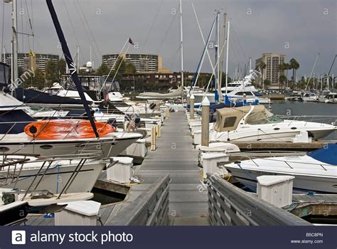 buy a boat marina del rey marina del rey ca main channel sailboat motorboat yachts