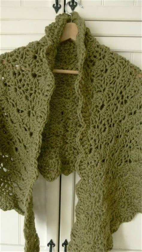 easy shawl pattern 25 diy crochet shawl patterns diy to make