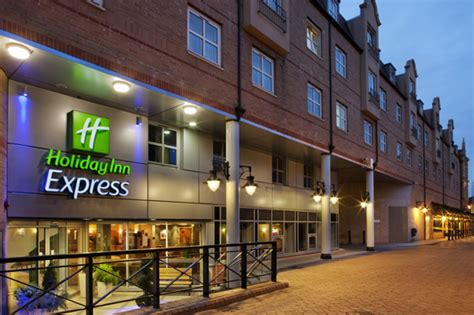 holiday inn express greenwich book direct for best rates