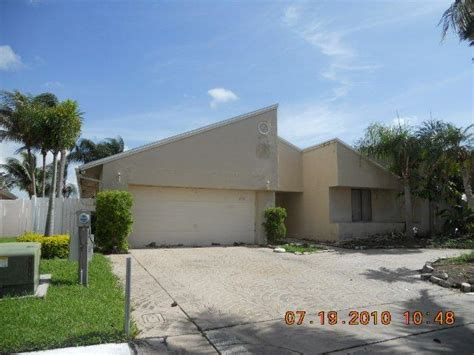 house for sale in lauderhill 6761 45th ct lauderhill fl 33319 reo home details foreclosure homes free
