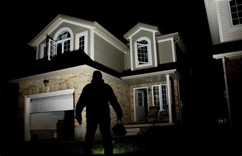 Robbing Houses by How To Properly File A Home Insurance Claim After A Robbery
