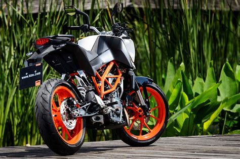 Ktm Duke 390 Tire Size 2015 Ktm 390 Duke Ride Review