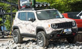 Jeep Renegade Trailhawk Mud Tires Mopar Modified Jeep Renegade Trio Heats Up Fca