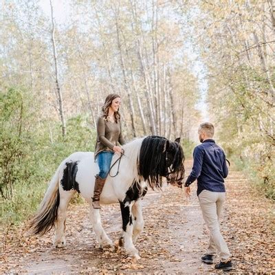 trending 25 fall engagement photos that give us all the