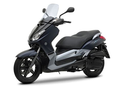 scooter pictures  yamaha  max  specifications