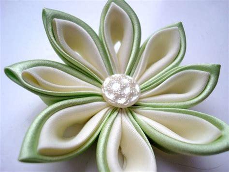 creare fiori di stoffa fiori fai da te composizioni di fiori come realizzare