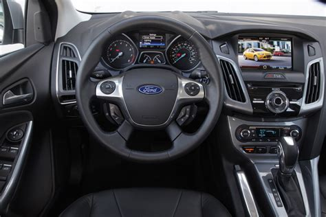 airbag deployment 2012 honda fit navigation system un viejo conocido muy renovado el ford focus 2012 fue presentado en chile en versiones sed 225 n y