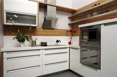 küche klassisch tapeten dachschraege schlafzimmer