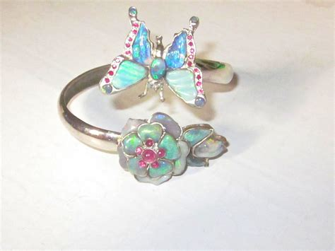 Australian Handmade Jewellery - opals from official government heritage site in australia